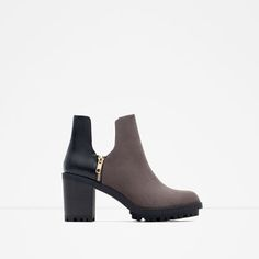ZARA - WOMAN - TRACK ANKLE BOOTS WITH SLITS