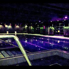 Poolside HD