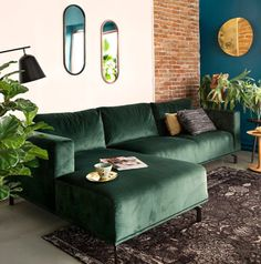 All Details You Need to Know About Home Decoration - Modern Living Room Green, Boho Living Room, Living Room Sofa, Room Decor Bedroom, Apartment Living, Interior Design Living Room, Home And Living, Living Room Designs, Living Room Decor