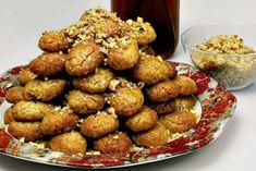 Μελομακάρονα Γεμιστά Greek Recipes, Dog Food Recipes, Cooking Recipes, Christmas Sweets, Christmas Time, Greek Sweets, Sugar Rush, Mediterranean Recipes, Holiday Baking