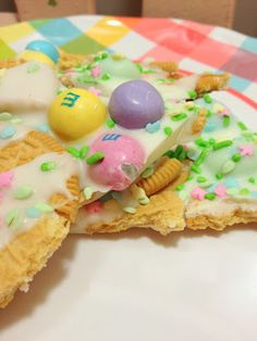 Dame Good Eats: Easter Bark...made this yesterday, it's outstanding! The golden Oreos in it are the best thing ever. LH