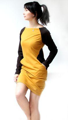 Střih na dámské šaty Dress Sewing Patterns, Clothing Patterns, Sewing Dresses For Women, Wrap Pants, Dress Silhouette, Vintage Denim, Refashion, Lounge Wear, Fashion Tips