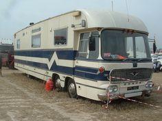 Bedford Val mobile home Old Campers, Vintage Campers Trailers, Vintage Caravans, Camper Trailers, Rv Bus, Off Road Camper Trailer, Truck Camper, Bedford Buses, Bedford Truck