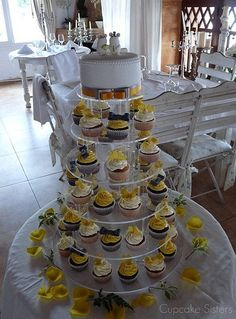 Yellow & Grey Wedding - Pinned for the look of the display, obv replace with your colors :)