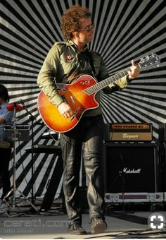 Gustavo Cerati Soda Stereo, Rock Artists, Music Artists, Musica Mantra, Music Lyrics, My Music, Rock Argentino, Perfect Love, No One Loves Me