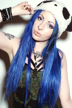 ideas piercing labio superior mujer for 2019 Blue Hair Dye Colors, Blue Ombre Wig, Ombre Wigs, Pastel Hair, Pink Hair, Blue Lace Front Wig, Royal Blue Hair, Punky Color, Black Roots