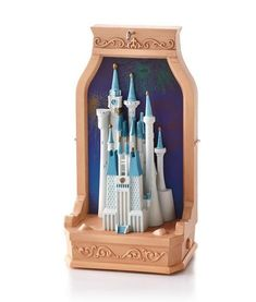 2013 Cinderella's CastleHallmark *MAGIC Ornament   SHIPS JULY 15