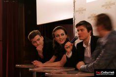 Сегодня в прокат вышел фильм «Полное превращение», а 16 марта в кинотеатре Художественный прошла презентация фильма, на которую приехал продюсер Павел Санаев и актеры Олег Гаас, Александра Булычева и Наиль Абдрахманов.