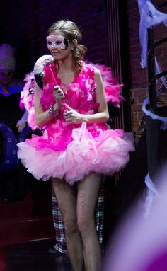 Flamingo costume idea for #WAKAVegas #WAKAPartyPatrol #BeachesBeCrazy