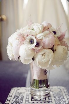 Brandy Champagne Cocktail ♥ this bouquet of cream and blush garden roses and peonies!♥ this bouquet of cream and blush garden roses and peonies! Bouquet Bride, Wedding Bouquets, Anemone Wedding, Ivory Wedding, Wedding Bride, Boho Wedding, Wedding Hair, Wedding Vintage, Purple Wedding