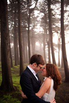 San Francisco elopement. Can't get enough of these photos: nature + gorgeous lighting.