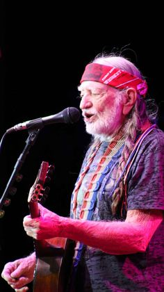 Willie Nelson... we love those braids!