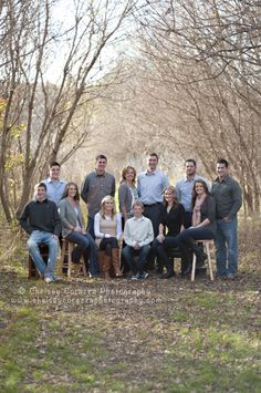 Extended Family shoot. Great outfit ideas, love the color combos! www.chelseycorazzaphotography.com