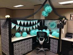 20 cubicle decor ideas to make your office style work as hard as Boss Birthday, Birthday Fun, Birthday Gifts, Cubicle Birthday Decorations, Office Party Decorations, Work Cubicle, Cubicle Ideas, Birthday Pranks, Cube Decor