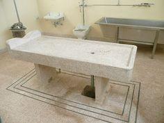 Businessman turns former morgue into into hotel in Australia.