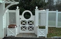 873 – NJ Custom Gate with Large Circle – Aménagement paysager Fence Landscaping, Backyard Fences, Modern Landscaping, Garden Structures, Outdoor Structures, Outdoor Spaces, Outdoor Living, Garden Gates And Fencing, Pool Gates