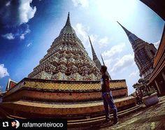 """Thailand!  #Repost @rafamonteiroco with @repostapp  """"Visão é a capacidade de enxergar além do que os olhos são capazes"""" Myles Munroe #Tailândia #bangkok #tripthailand #watpho #watphotemple #desapego #viagensincriveis #viajantesdubbi #essemundoenosso #escolhoviajar #destinosimperdiveis #fantrip #mochileiros #trippics - http://ift.tt/1HQJd81"""