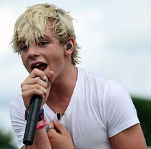 "Ross ""shor looks good"" Lynch"