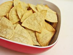 How to Make Baked Tortilla Chips #cincodemayo