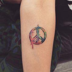 2374b85bb 55+ Cool Peace Sign Tattoo Designs & Bedeutungen - Antikriegsbewegung  Symbol (2018)