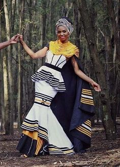 We have the latest modern Xhosa dresses online on Sunika. Discover Top Xhosa dresses designers in South Africa for your next outstanding Xhosa Wedding dress. Long African Dresses, Latest African Fashion Dresses, African Print Fashion, African Clothes, African Prints, Xhosa Attire, African Attire, African Wear, African History