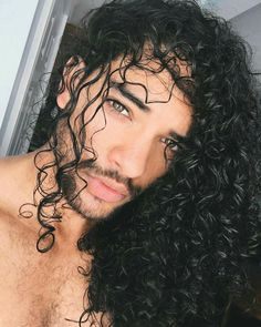 Hair Long Men Curly Natural 33 Ideas - New Site Long Curly Hair, Curly Girl, Curly Hair Styles, Natural Hair Styles, Natural Curls, Toni Mahfud, Mens Toupee, Pelo Afro, Trendy Hairstyles