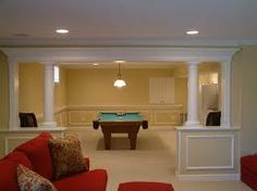 how are rooms are separated. in between the dining room and living room