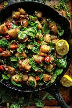 vegan breakfast skillet #healthybreakfast #dinnerrecipe #healthyrecipe #healthyfood #healthyfoodideas Quick Healthy Breakfast Ideas & Recipe for Busy Mornings