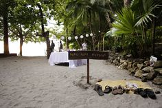 Barefoot beach wedding. Photo by Antonio Arellano. For more ideas and information visit www.costaricaparadisewedding.com