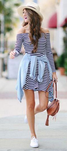 Un outfit refrescante de un vestido manga larga #BlackAndWhite ¡Los sombreros dan el toque perfecto al look!