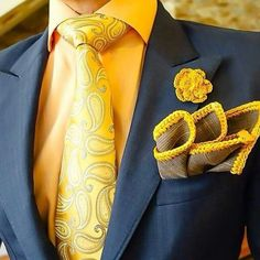 Men's Suit Outfit with an Amazing Hand Made Pocket Squares Sharp Dressed Man, Well Dressed Men, Mens Fashion Suits, Mens Suits, Men's Fashion, Tie And Pocket Square, Pocket Squares, Suit Shoes, Men With Street Style