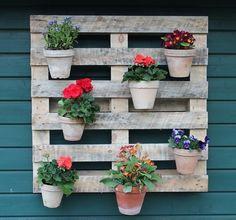 Kleiner Balkon Gestalten Ideen Holz Kasten Pflanzen Garten   Möbel ... Ideen Balkon Und Terrasse