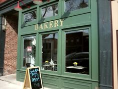 Only an hour east of Buffalo, Sweet Arts Bakery in Geneseo is known for baking up some of the most mouthwatering cinnamon rolls you'll ever taste. Rustic Bakery, Bakery Cafe, Cute Bakery, New York Attractions, Baked Rolls, Close To Home, Find People, Blue Berry Muffins, Peanut Butter Cookies