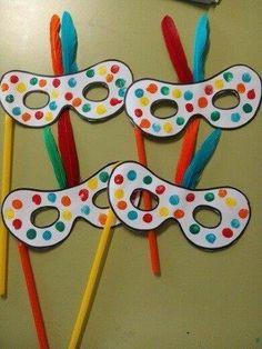 25 Mascaras de Carnaval para crianças Aluno On Kids Crafts, Clown Crafts, Daycare Crafts, Diy And Crafts, Arts And Crafts, Diy Carnival Games, Carnival Crafts, Carnival Masks, Diy Games