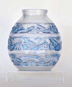 Art Deco R. Lalique 'Soudan' vase c.1928, clear glass with blue patina R. Lalique France