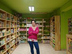 Magda jest mamą trójki dzieci i od niedawna prowadzi w Zakopanem sklep ze zdrową żywnością  http://www.mamopracuj.pl/teraz-albo-nigdy-czas-na-biznes