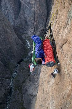 A man and woman sleeping on portaledge while climbing on North Chasm View Wall. Gunnison River is far below. Black Canyon of the Gunnison National Park, Crawford, Colorado. Mountain Climbing, Rock Climbing, Radical Sports, Gunnison National Park, Living On The Edge, Scary Places, Kayak, Parkour, Outdoor Recreation