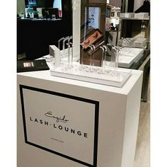 ESQIDO Lashes will be at Holt Renfrew Bloor location in February 18-21st. Come by and see the lashes in person!