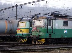 123 024-2 + 122 049-0 Beroun - seřadiště, 3.4.2017 Electric Locomotive, Steam Locomotive, Magnetic Levitation, Double Trouble, Civil Engineering, Diesel, Around The Worlds, Journey, Europe