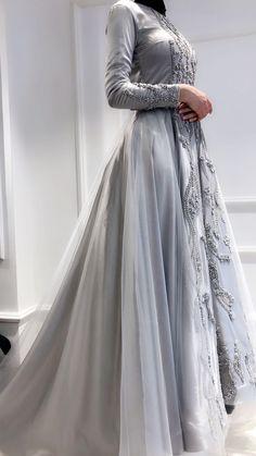 Fashion Dress Design 2018 In Pakistan Hijab Evening Dress, Hijab Dress Party, Evening Dresses, Muslimah Wedding Dress, Dress Muslimah, Simple Long Dress, Beautiful Dresses, Nice Dresses, Moslem Fashion