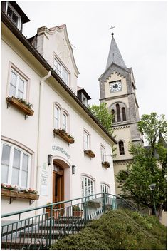 Bergen, Mansions, Architecture, House Styles, Home Decor, Getting Married, Arquitetura, Decoration Home, Manor Houses