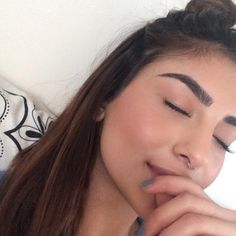 why can't I have natural bushy brows !!