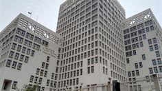وزارة المالية                        يطرح البنك المركزى المصرى، نيابة عن وزارة المالية، اليوم الاثنين، سندات خزانة بقيمة 1.5 مليار جنيه، الأولى بقيمة 750 مليون جنيه، لأجل 5 سنوات، والثانية بقيمة 750 مليون جنيه، لأجل 10 سنوات. ومن المتوقع أن تصل قيمة العجز فى الموازنة العامة للدو�