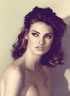 I don't get out of bed for less than $10,000 a day. - Linda Evangelista