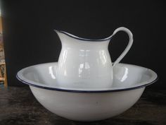 Enamel jug and bowl set – Glass Dishes for Meat & Dairy