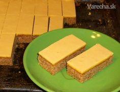 Orechový zákusok so žĺtkovou polevou (fotorecept) - Recept