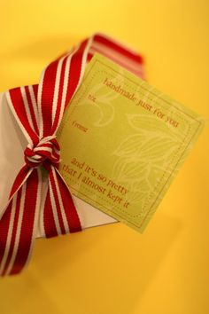LOVE these printable gift labels for homemade gifts!  Print on sticker paper for super-easy labeling.