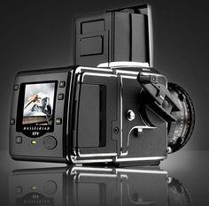 Hasselblad V System - CFV-39 Digital Back.     My dream. :)