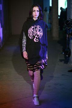 Vogue Paris, Fashion Editor, Fashion Show, Catwalk Collection, Margiela, Mannequins, Fashion Sketches, Ready To Wear, Womens Fashion