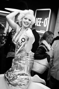 JEE-O @ vtwonen & design beurs 2015 We had a at our exhibition stand at the VT wonen&design beurs RAI Our were by the presence of ol' blue eyes Frank In Person and the one and only Claudia Memorie Monroe, who made this an to Trends, One And Only, Bad, Blue Eyes, Amsterdam, Party, Architecture Design, Bathtub, Bathroom